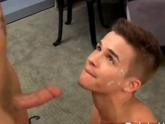 Twink gets his sweet face sprayed