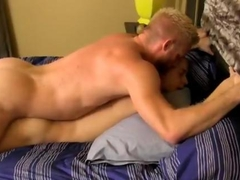 Stellar stud pins down a twink in bed
