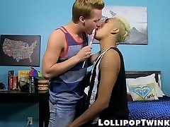 Lollipop making out with two young twinks who want to fuck